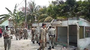 Satpol PP Robohkan Puluhan Bangli