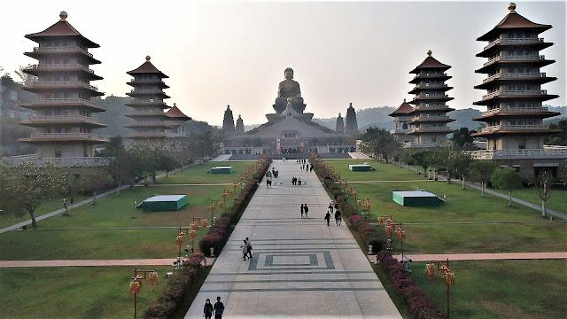fo guang shan buddha memorial complex taiwan