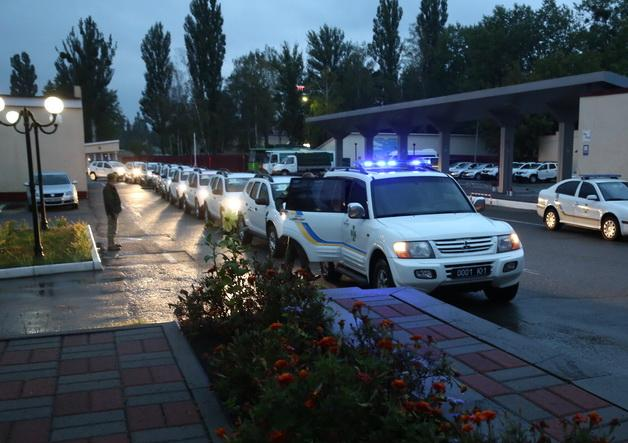 Прикордонники отримали 100 автівок Renault Duster