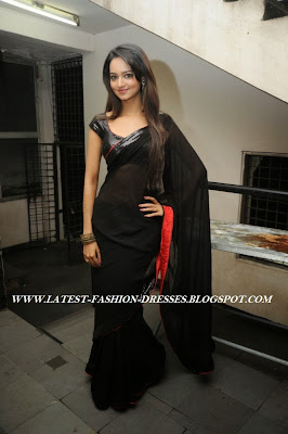 plain black saree photos