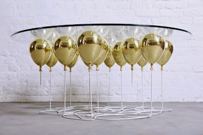 Diseño de mesa de cristal muy creativo cpn globos dorados