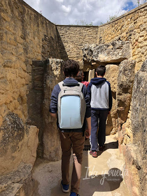 Visitar Dólmenes de Antequera entrada dolmen de Viera