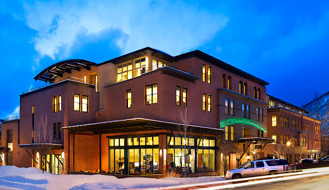 Looking for deals to stay at the Limelight Hotel Aspen in Aspen for your next ski vacation? Click here to view deals!