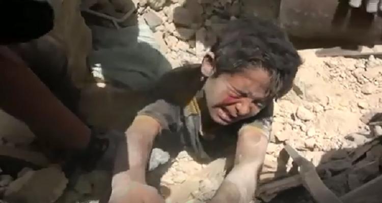عمران جديد في حلب يصرخ من تحت الركام و يبكي الملايين حول العالم