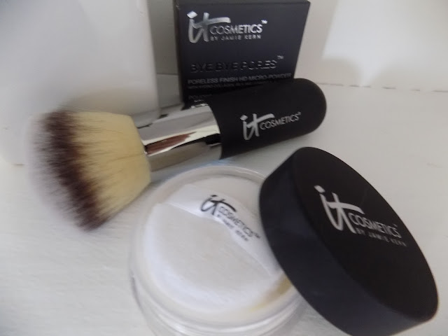 IT Cosmetics Bye Bye Pores Poreless Powder With Brush