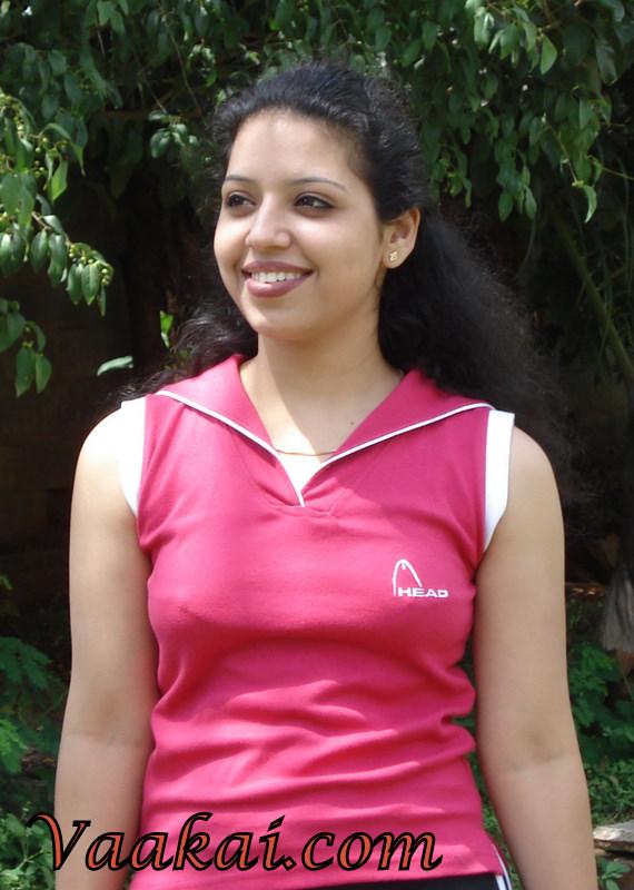 Sexy Indian Hot Mallu Aunties Bikini Stills-7850