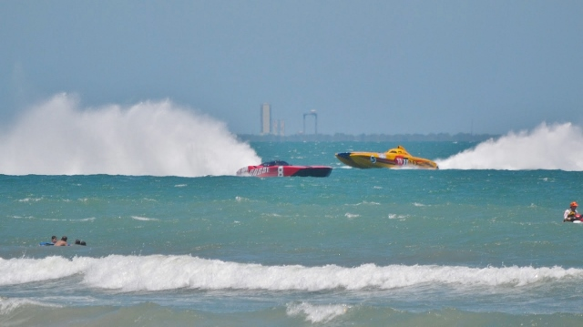 Thunder On Cocoa Beach Super Boat Race
