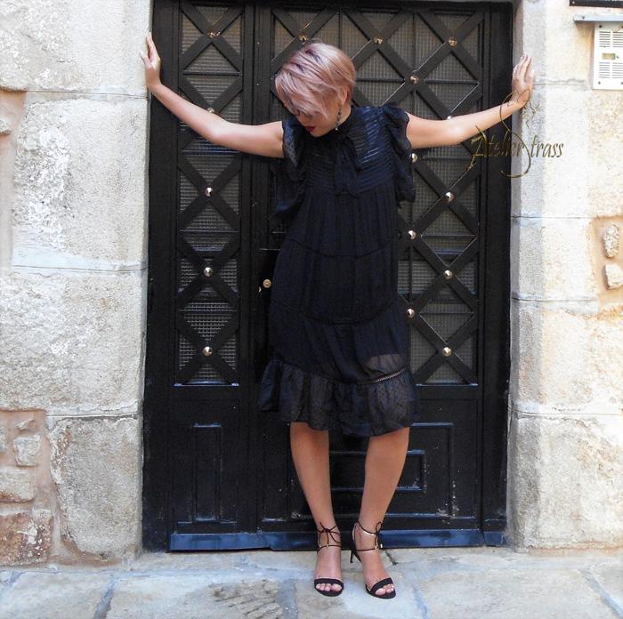 vestido victoriano negro