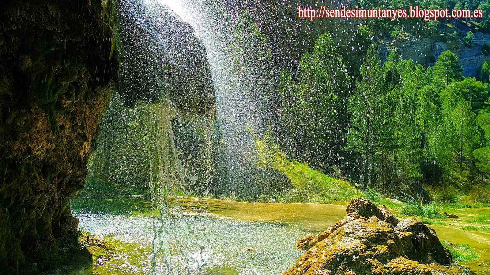 Fuente de fuennarices arco de piedra cascada de la hiedra for Cascadas de piedra