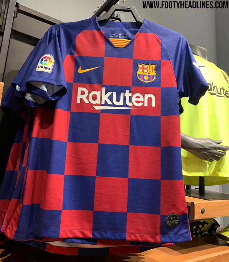 Here Is How The Revolutionary Fc Barcelona 19 20 Home Kit Will Look Like On The Pitch Footy Headlines