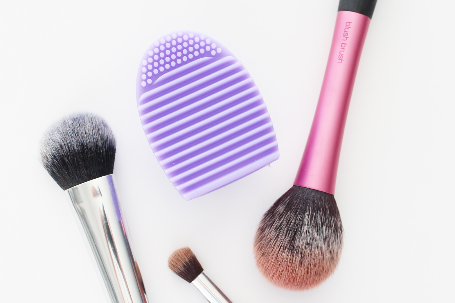 CHEAP EBAY FINDS | BrushEgg - Brush Cleaning Tool - CassandraMyee