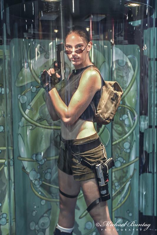 Lara Croft Tomb Raider Cosplayers, Comic-Con International, San Diego Convention Center, Marina District, San Diego, California. Nikon n90s 35mm SLR camera. Fujifilm NPZ800 color negative 35mm film.