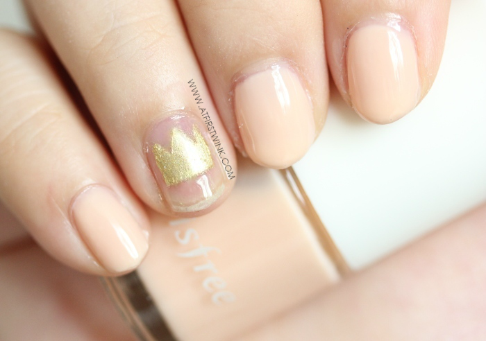 golden crown nail art and Innisfree 133 - Ballet steps