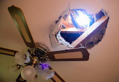Все повече ледени метеори падат върху къщи в Калифорния Cryometeor1