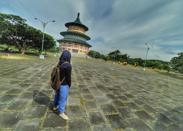 Pagoda Tian Ti tampak dari kejauhan
