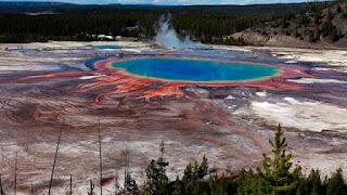 9. Yellowstone Caldera, Amerika Serikat