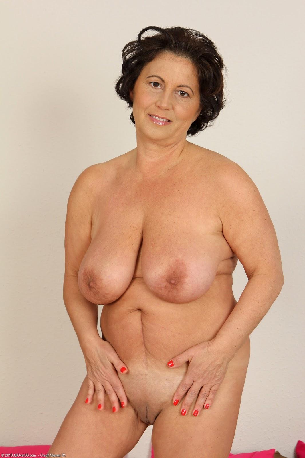 Mature naked ladies clip