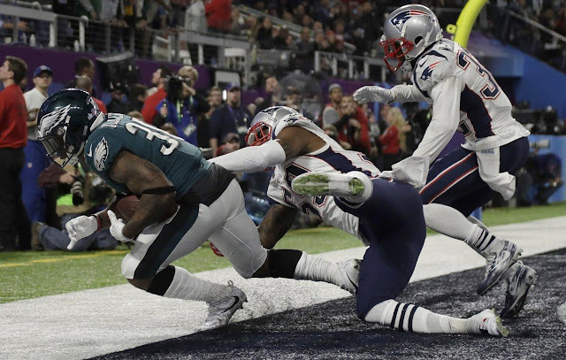 Confirmed Eagles touchdown catch furthers confusion over NFL catch rule
