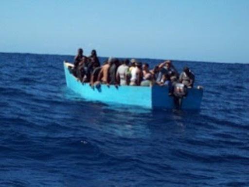 Unos 40 desaparecidos al naufragar embarcación con migrantes haitianos