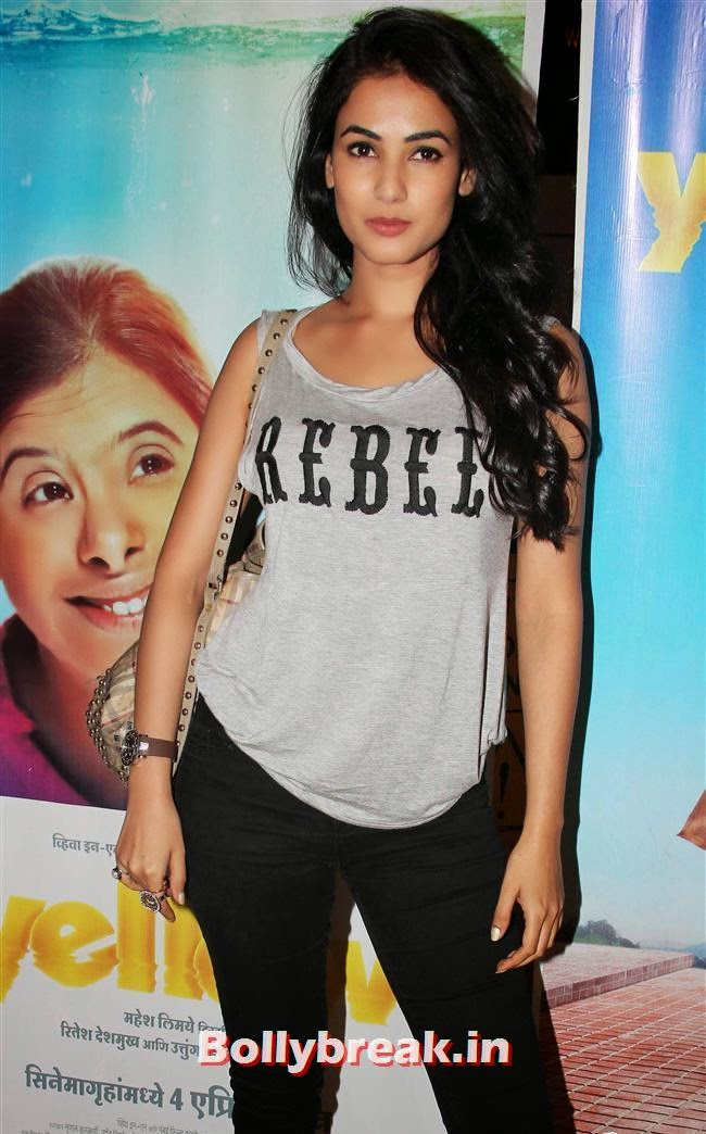 Sonal Chauhan, Genelia, Sonal, Karishma at Yellow Film Special Screening