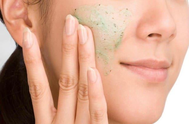 hindari penggunaan scrub untuk jenis kulit normal