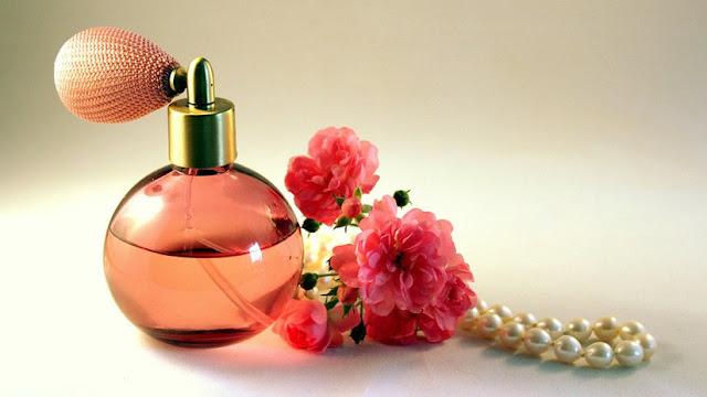Revelan los efectos negativos del perfume