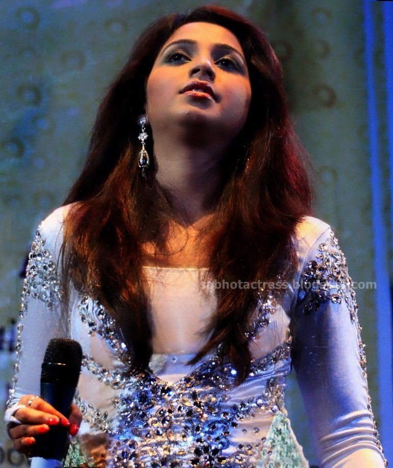 Shreya Ghoshal Hot Navel,Cleavage And Ampit Show Sexy Picture Collection-1675