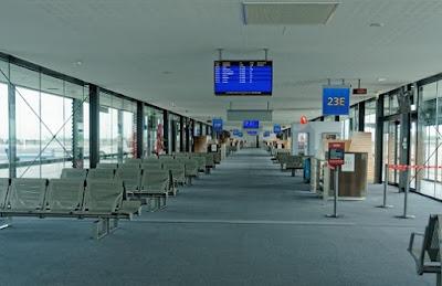 مطارات تجرب الذكاء الصناعي لمراقبة المسافرين نحو أوروبا