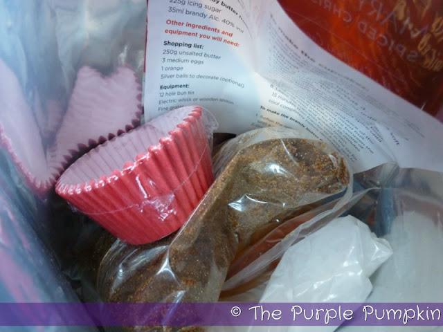 Spiced Christmas Fruit Cupcakes | The Purple Pumpkin Blog