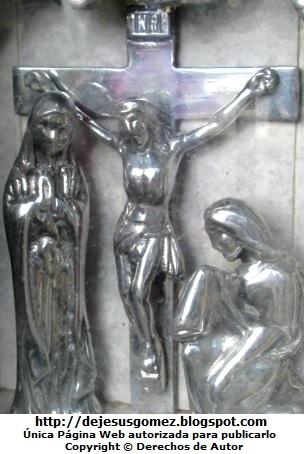 Foto de Jesús en la cruz tomada de una lápida. Foto de Jesús tomada por Jesus Gómez