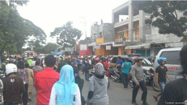 Pesawat Super Tocano Milik TNI Jatuh Menimpa Rumah di Malang