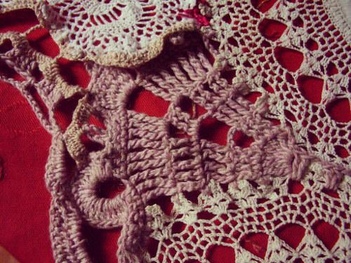 Xale de crochê para a peça teatro Linha reta e Linha curva