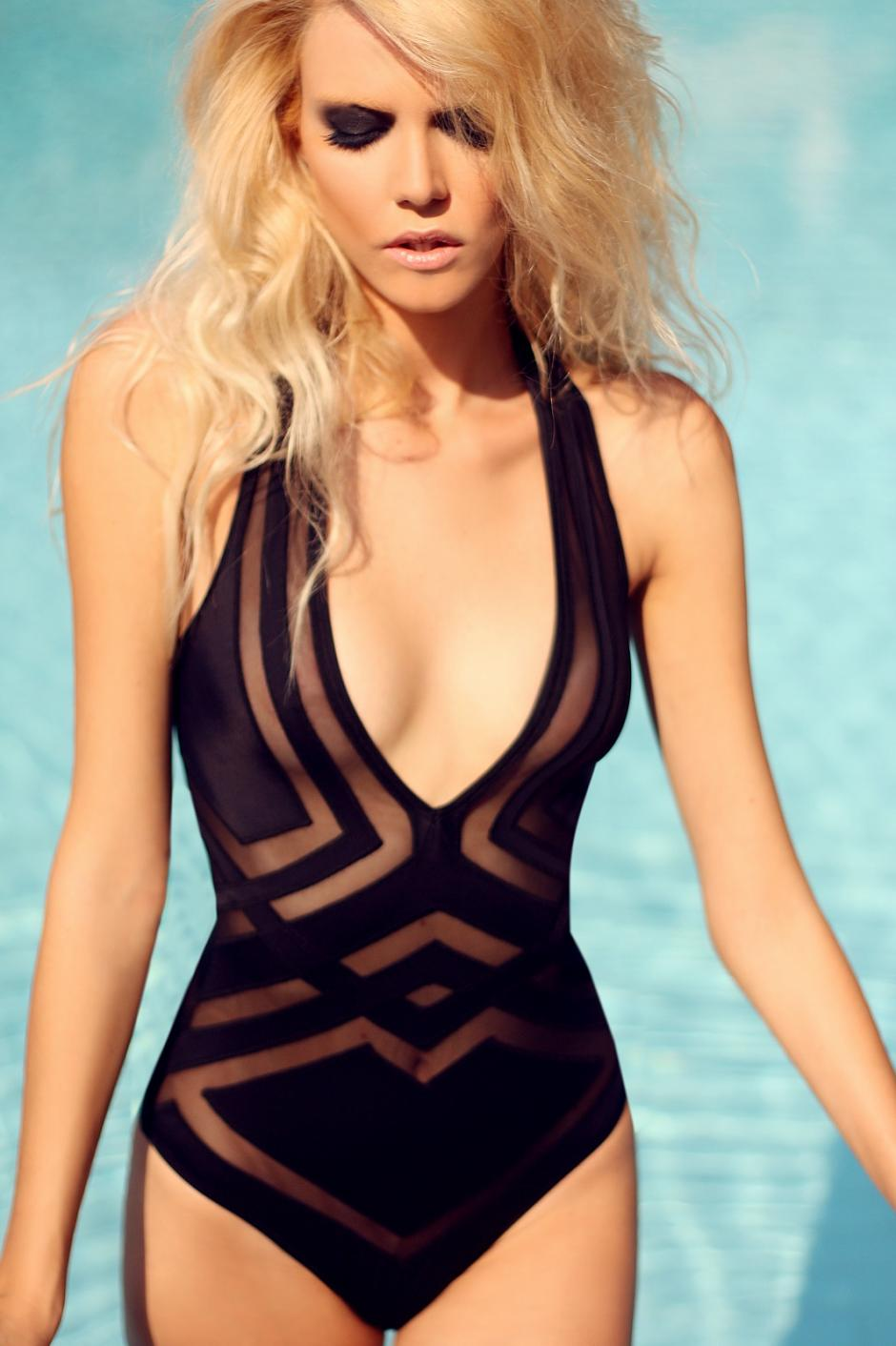 Certain women's one-piece swimsuits even feature adjustable straps, which let you lock in a cozy, customized fit. Interested in changing things up with a two-piece bathing suit? Browse women's swim tops and swim bottoms on kumau.ml