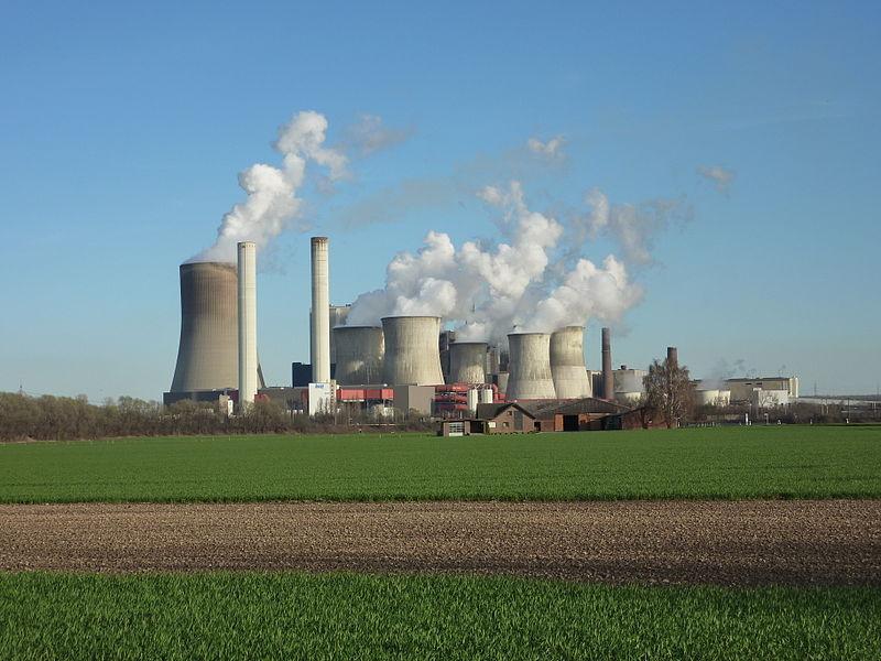 800px-Kohlekraftwerk_Niederau%25C3%259Fem.JPG