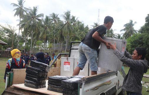 Logistik Pilgub Didistribusikan Ke PPS, Di Kecamatan Pasimasunggu