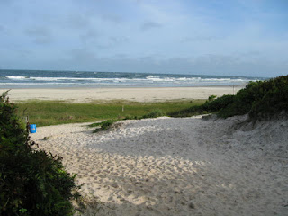 vista de uma das praias na Ilha do Mel