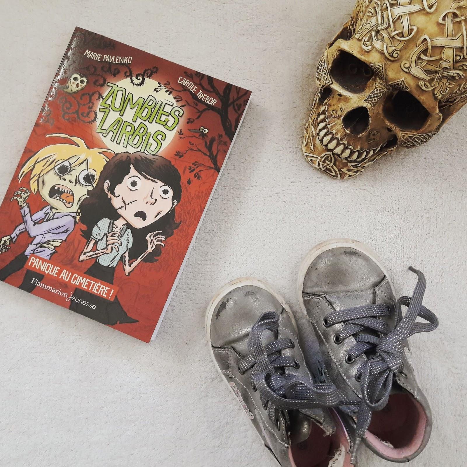 Panique au cimetière (Zombies zarbis, tome 1) de Marie Pavlenko et Carole Trébor