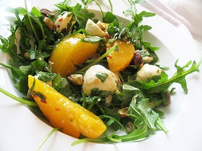 peach salad with bocconcini and arugula