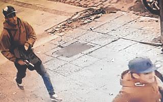 DOS DE LOS TRES DELINCUENTES QUE INGRESARON A LA VIVIENDA DEL JUBILADO, EN 11 ENTRE 39 Y 40/CAPTURA DE VIDEO