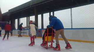 מחליקים על הקרח בגובה 55 מטר באייפל