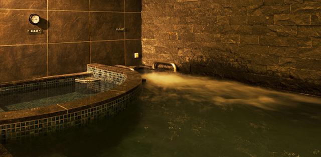 湊湯 水風呂