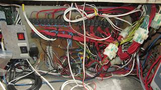 Die alte Verbindungsplatte - etwas chaotisch das Ganze