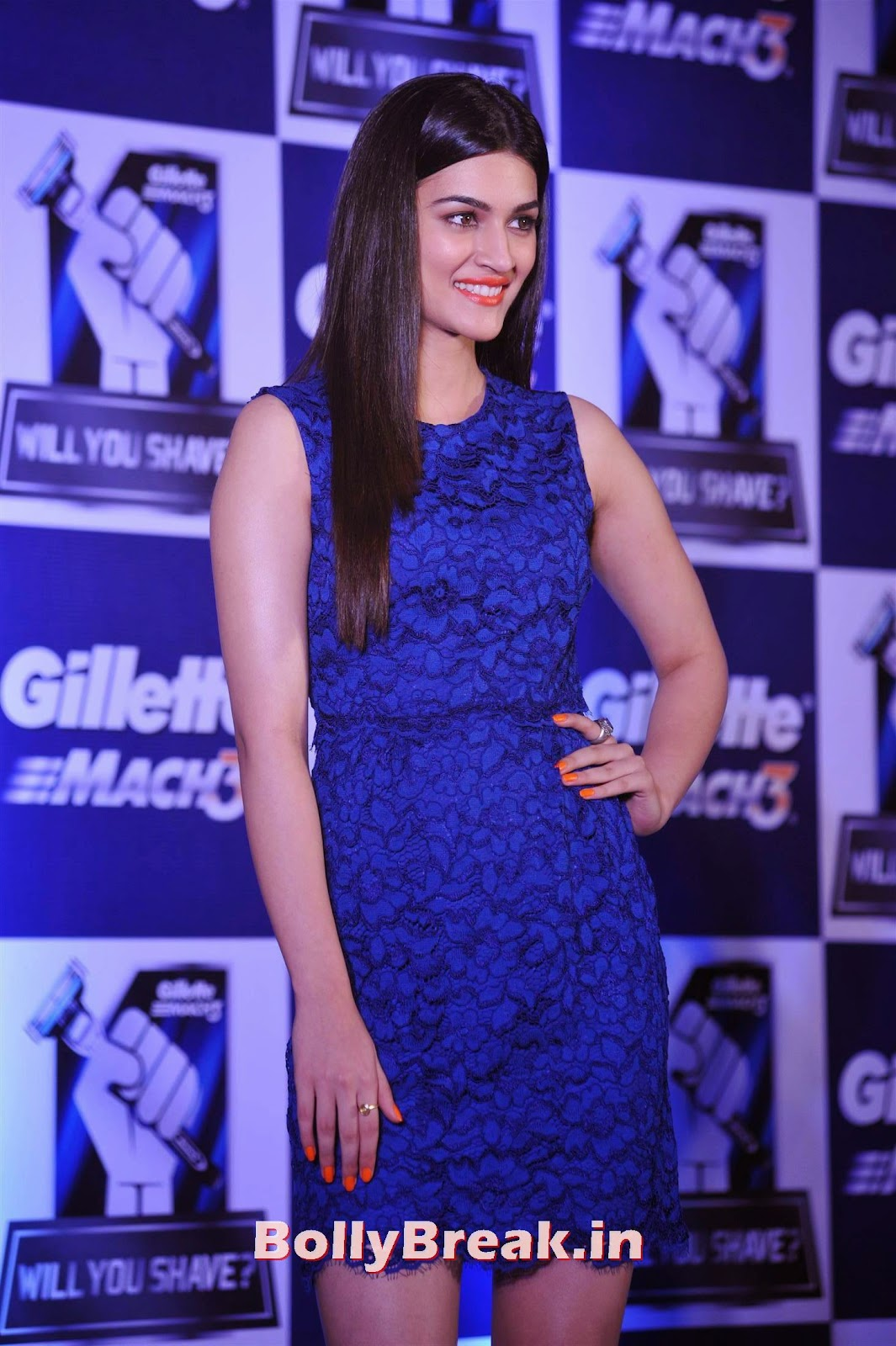, Kriti Sanon Hot Photos in Blue, Film Actress Kriti Sanon Promote Gillette