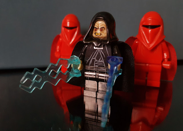Imperator Palpatine and Red Guard Star Wars