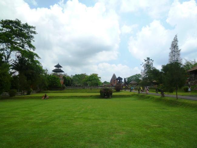 Vista panorámica del parque Taman Ayun