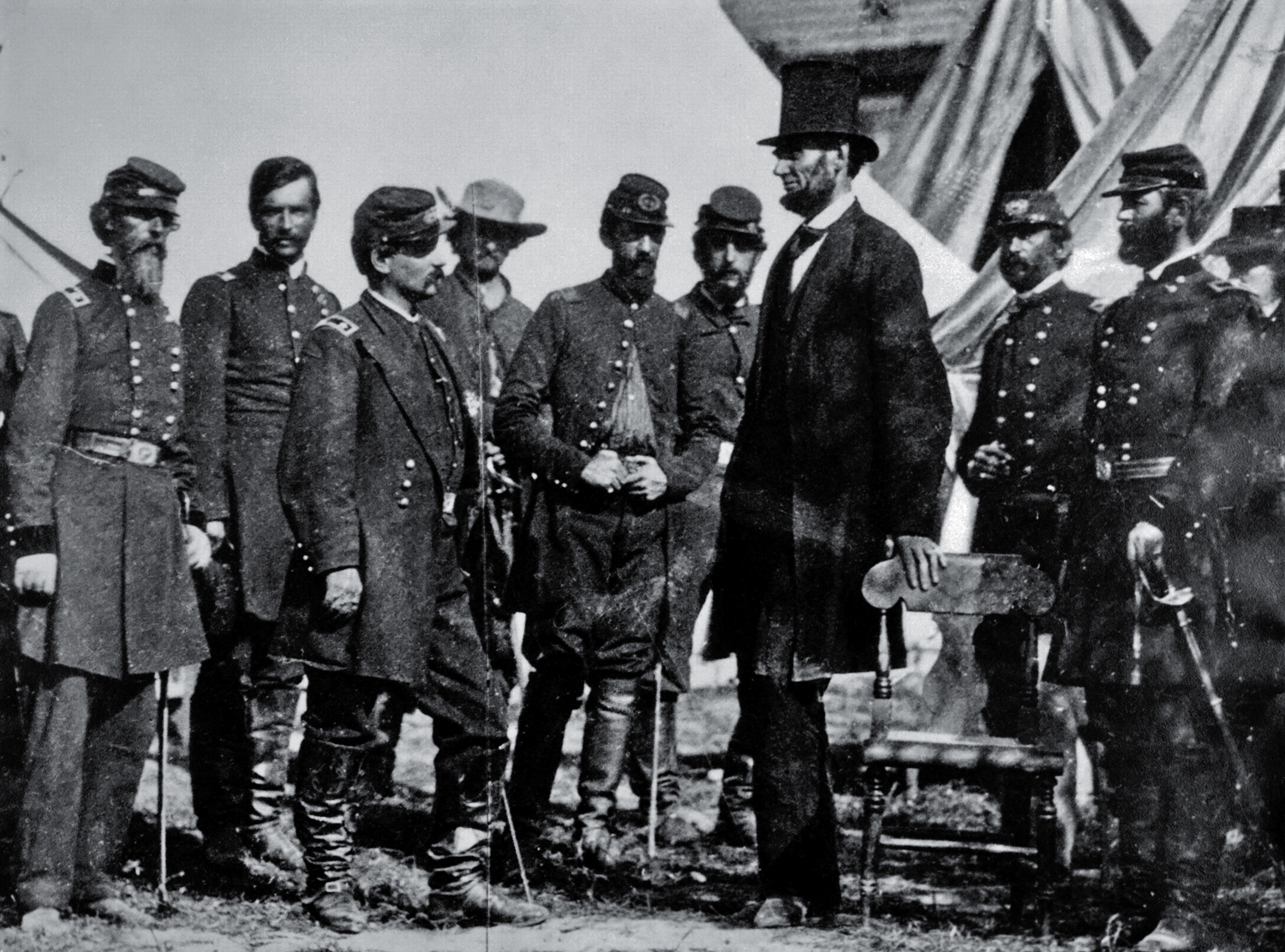Abraham Lincolns Role in the Civil War - Term Paper Example