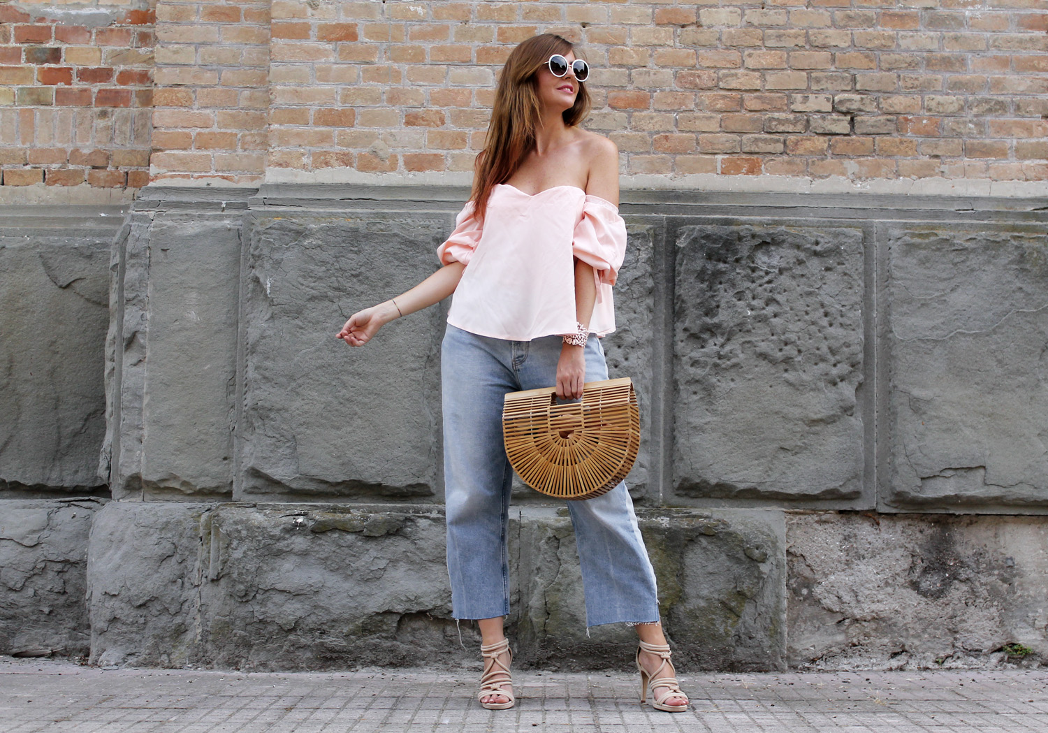 top off the shoulder rosa culotte jeans