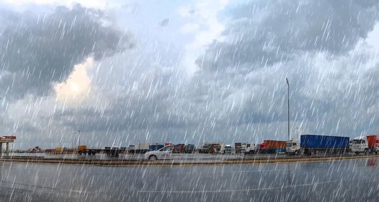 الأرصاد الجوية تصدر تحذيرا عاجلا بخصوص طقس الأربعاء