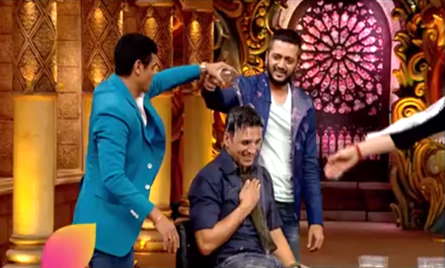 A glimpse of madness of the Housefull 3 team on Comedy Nights Bachao.