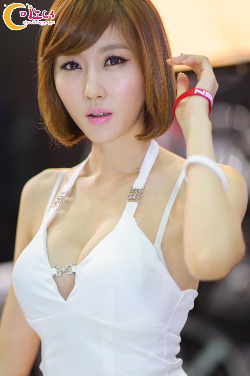 Lovely Cute Girl Wallpaper Cute Asian Girl Choi Byeol Yee Seoul Auto Salon 2012